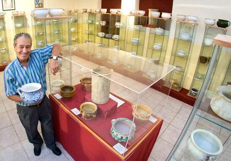 José María del Arco Ortiz, más de 30 años coleccionando orinales