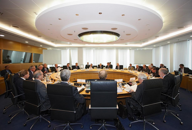 BCE se auto inculpa en la incautación del Banco Popular