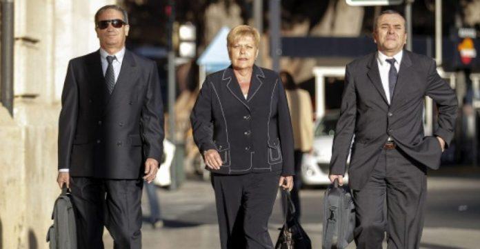 Milagrosa Martínez a su llegada al tribunal