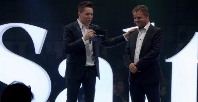 Johan Andsjö (derecha) presenta Salt, el nuevo nombre de Orange Suiza