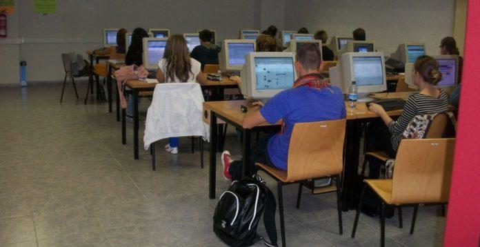 Mil institutos españoles someterán a sus alumnos de 15 años a las pruebas PISA.