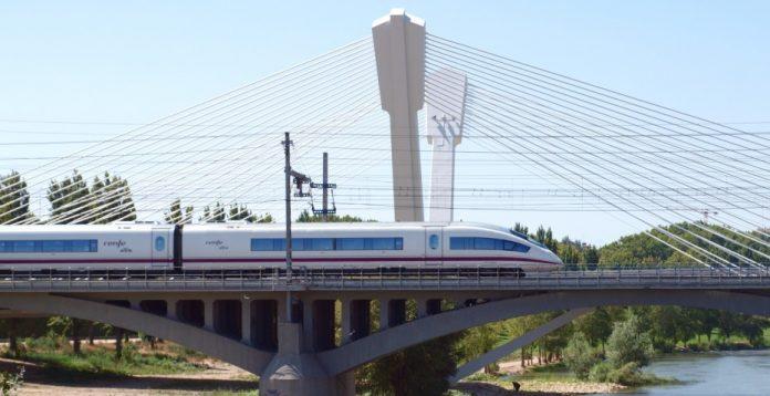 Los trenes AVE se hacen con una cuota del 63% de los viajes entre las dos capitales.