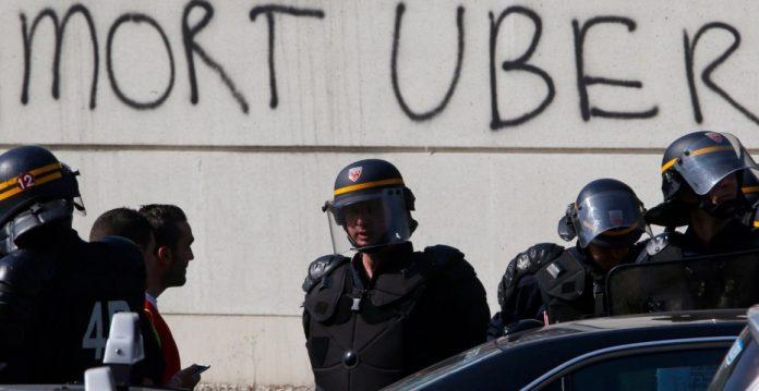 Las agresiones e intimidaciones a los conductores y usuarios de Uber han provocado el cierre del servicio en Francia