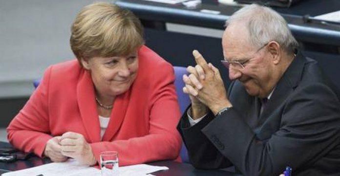 Angela Merkel y Wolfgang Schäuble, ministro de finanzas alemán.