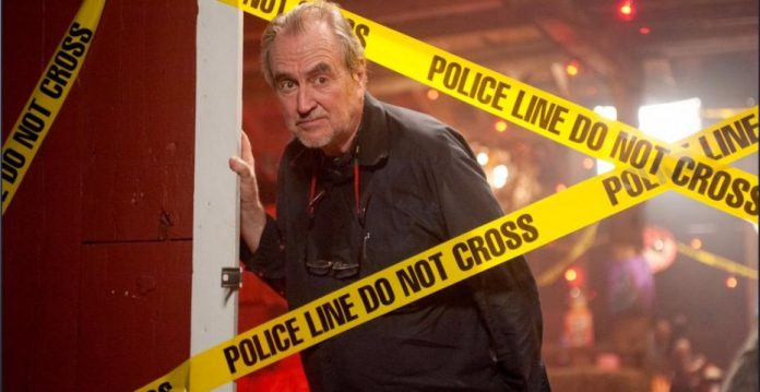 Wes Craven en el set de Scream 4
