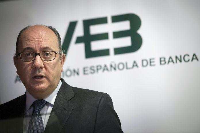 José María Roldán, presidente de la AEB, ha hablado acerca de las comisiones bancarias